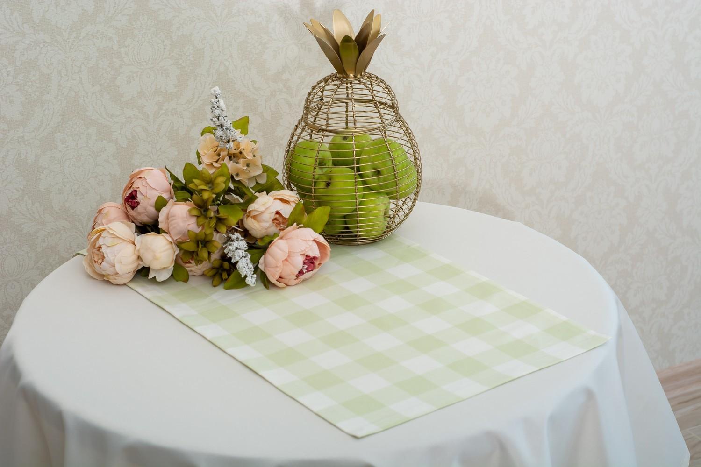 Скатерть — ткань журавинка гладь, цвет  шампань Дорожка — ткань ЛД 015236v4