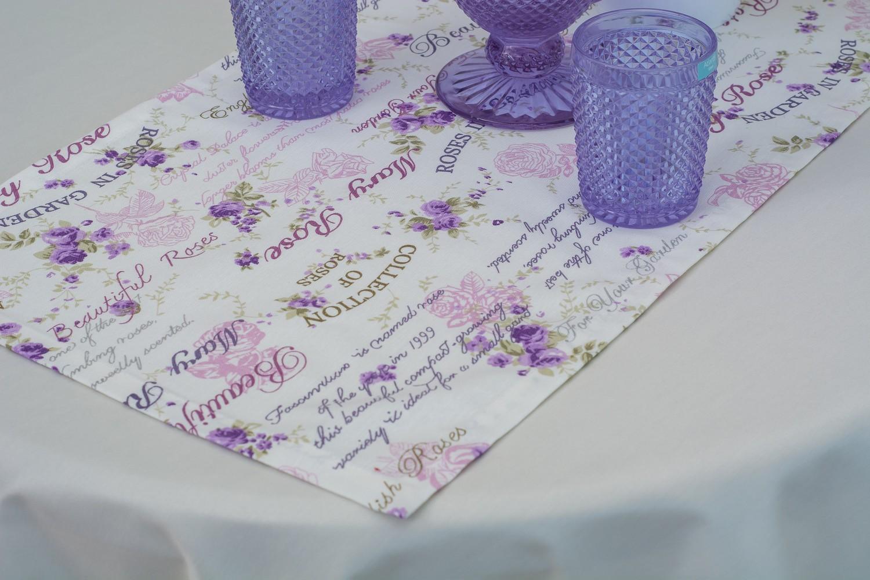 Скатертина – тканина Журавинка гладь, колір шампань Доріжка – тканина ЛД 11128v8
