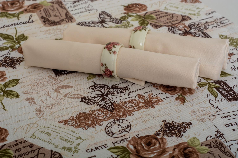 Скатертина – тканина Журавинка гладь, колір шампань Доріжка – тканина ЛД 12105v7