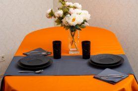 Скатерть тефлон-оранжевая, дорожка тефлон -серая(2)