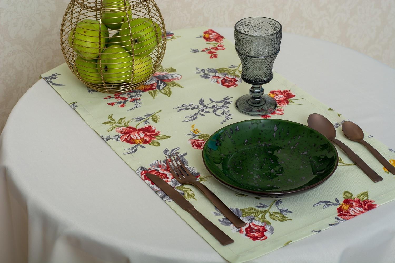 Скатерть — ткань журавинка гладь, цвет  шампань Дорожка — ткань ЛД 130439v1