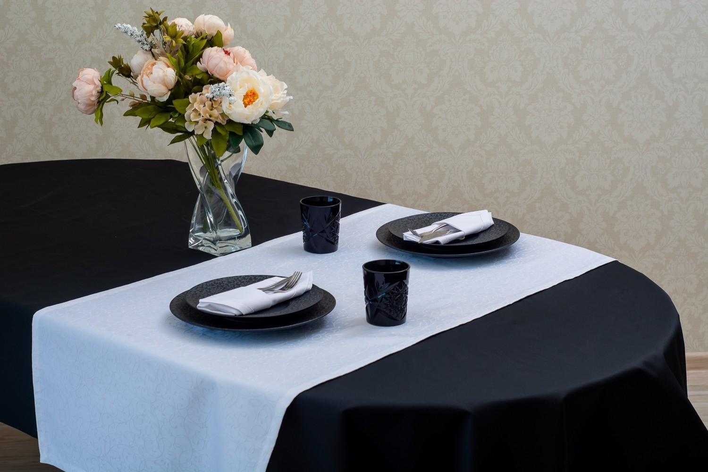 Скатертина – тканина тефлон, колір чорний Доріжка – тканина маті 1812, колір білий